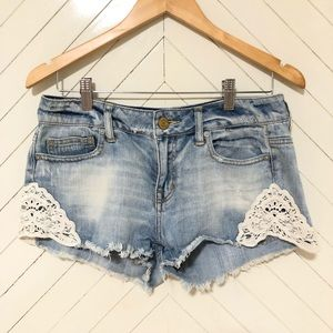 AMERICAN EAGLE SEXY BLUE AND WHITE SHORTS SIZE 4